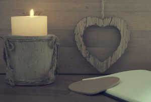 A-cute-aromatic-candle